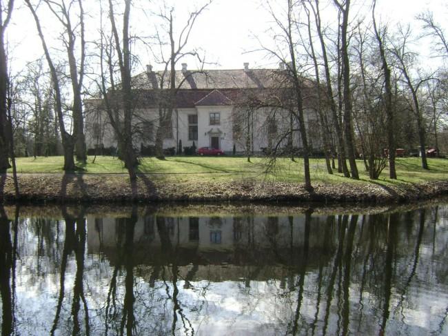 Poland._Gmina_Konstancin-Jeziorna._Obory_002