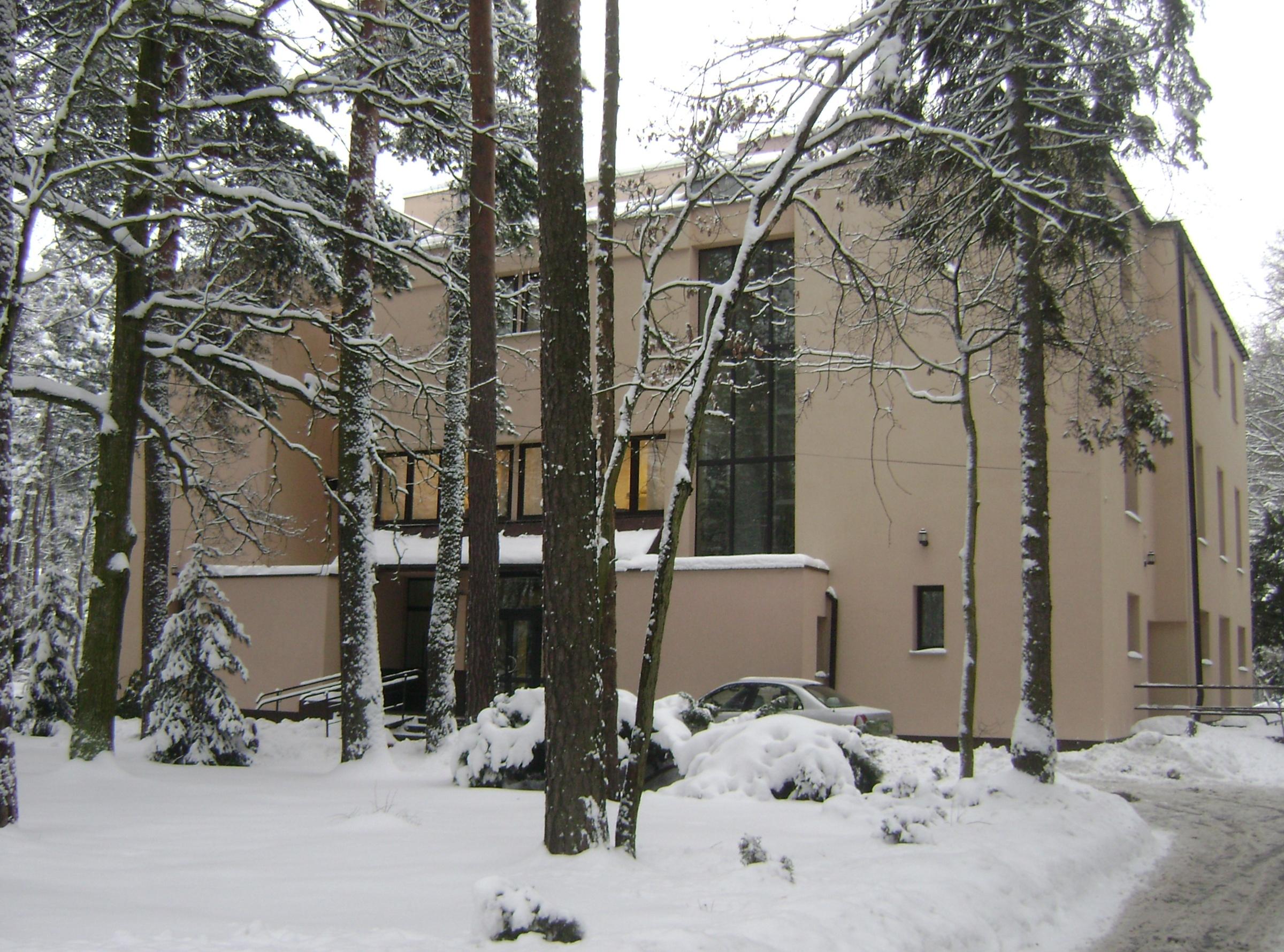 Szpital Rehabilitacji Kardiologicznej w Konstancinie Jeziornie przy ulicy Gąsiorowskiego, 2010, fot. Albert Jankowski